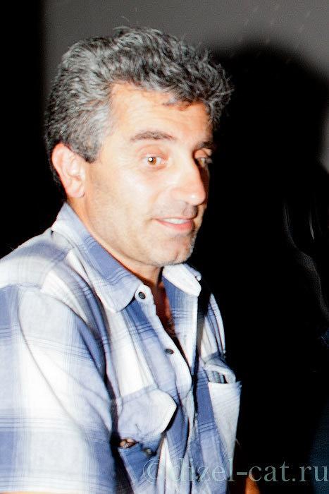 http://pics-akamai.slickpic.com/Mjc2NTc1YjA5YjA2Ng,,/20120826/MTcxODU5MWIwMDA,/p/1600/IMG_8503.jpg