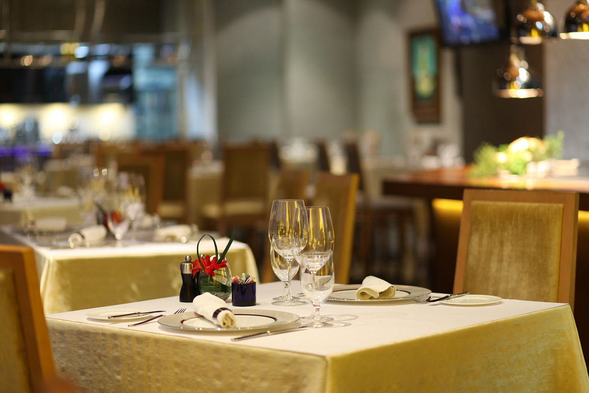 fine dining restaurant thesis This dissertation is brought to you for free and open access by the iowa state  university capstones, theses and  a casual dining restaurant - a restaurant  that serves moderately priced food in an informal  restaurant any fine-dining.